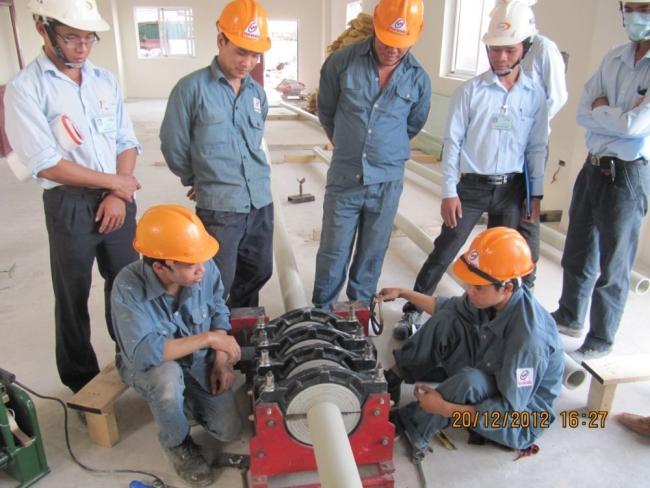 Cung cấp lắp đặt ống thủy lực, súc rửa đường ống