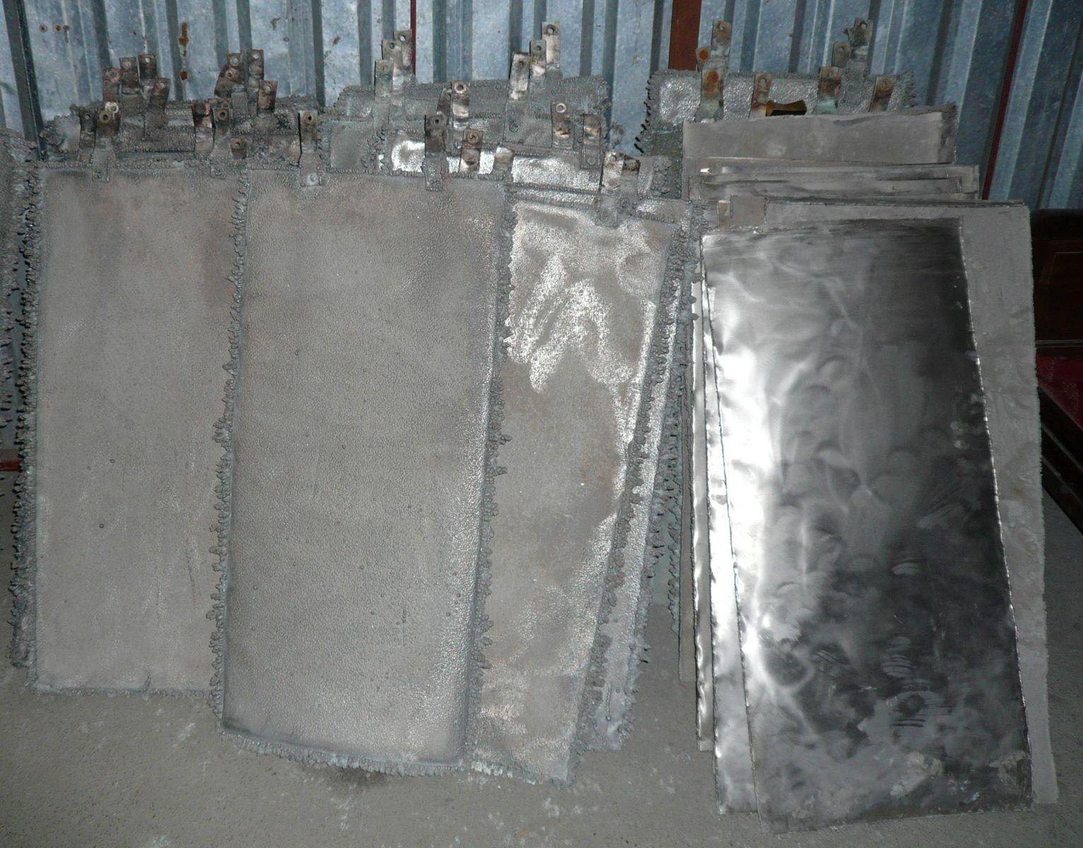 Niken điện phân thu hồi từ bã thải công nghiệp mạ crom, niken